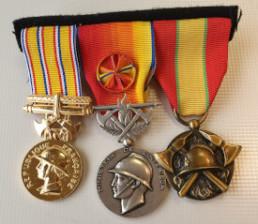 montage medailles associatives pompiers anciennete
